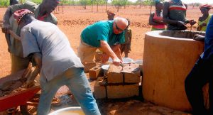 Brunnenreparatur-in-Burkina-Faso