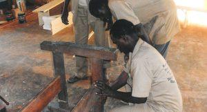 Brunnenreparatur-in-Burkina-Faso